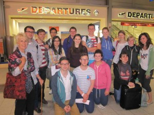2014 Volunteers with Becky and Margaret ready to leave Luton for Tel Aviv